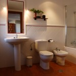 image of bathroom of Antequera poolside annexe rooms at Cortijo Las Viñas